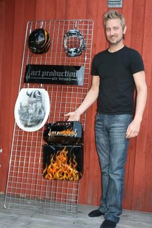 Thomas Gustafsson är airbrush konstnär.