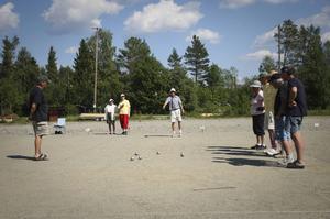 16 lag (48 deltagare) deltog i boultävlingen Sydjämtska på onsdagen i Hackås.