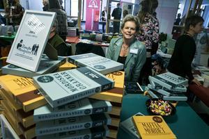 Faluföretagaren Nina Cernold sålde svenska mordgåtor på mässan. – Som Cluedo fast i verkligheten, förklarar Nina.