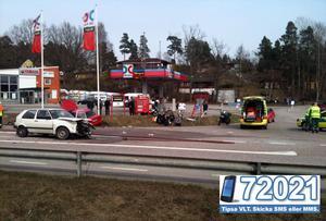 Trafikolycka i Kvicksund på måndagseftermiddagen. FOTO: LÄSARBILD