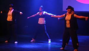 Först i programmet var Projekt 8E och Active med låten Dangerous.