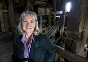 Lena Myberg, projektledare för brobygget, säger att schaktet är en väldigt mäktig upplevelse för nya besökare.