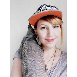 Elsa Olsson från Bräcke har broderat hela första banan i Super Mario