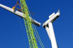 Vansbro kommun har i dag 24 vindkraftverk, som den här på Korpfjället. Nu kan de bli mer än dubbelt så många.