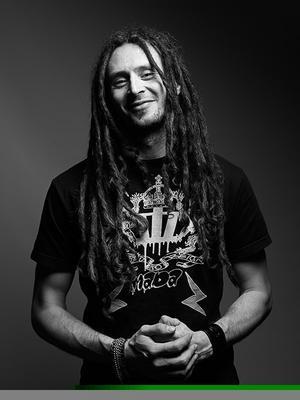 Peter Uvén är en erfaren musiker och trubadur som är van att hålla i musikquiz.