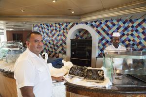 Jose Banegas från Honduras är kokschef på Ocean Gala.