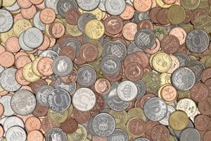 Tills den 30 juni ska gamla mynt bytas ut mot nya.