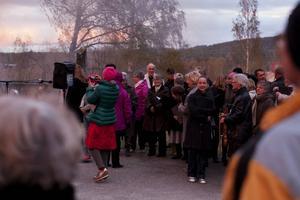 Järvsö kyrkokör sjöng på Kyrkön.
