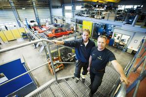 Ulf Sellgren och Krister Dyneborg gläds över att intresset för deras program ökat.