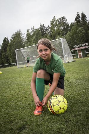 – Det är roligast att vara med kompisar och tävla mot varandra, säger Celma Nilsson, 9 år.