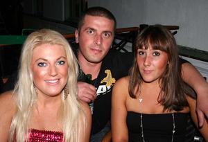 Blue Moon Bar. Mathilda, Marko och Maggie
