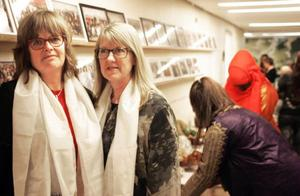 Kerstin Engqvist till vänster och Elisabeth Ström behåller sitt företag och hoppas kunna fylla det med ny verksamhet.