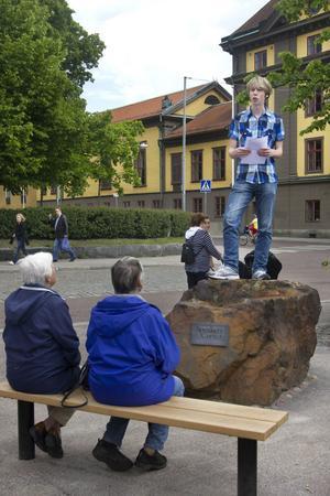 Johan Lindgren, 17 år, invigningstalar.