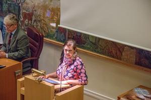 Jenny Landernäs, Moderaterna, tycker att e-förslag är en bra idé om än något senkommen.