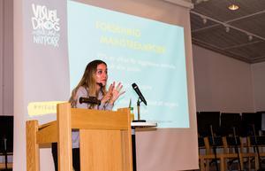 Debattören och experten Maria Ahlin anser att nätporren nått den omfattningen att den är en