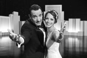 Michel Hazanavicius svartvita stumfilm med Jean Dujardin och Bérénice Bejo i huvudrollerna, ser allt mer ut som en Oscarsfavorit. Tre priser plockade filmen hem på Golden Globe-galan.Foto: The Weinstein Company/AP/Scanpix