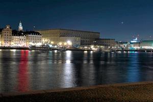 Stockholms slott släckte ner under Earth Hour på lördagskvällen.