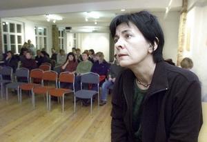Berit Dahlström, som tidigare var kommunalråd i Östersund, och som sedan över tio år arbetar för Vänsterpartiet i Bryssel, är skakad när ÖP når henne på tisdagsmorgonen.