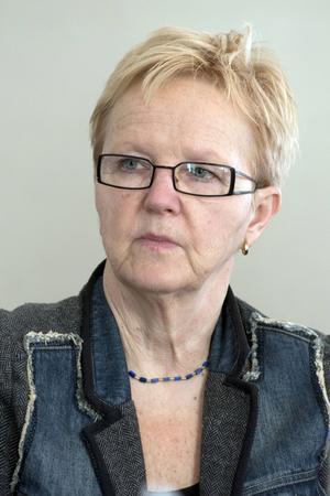 Ulla Näsman måste, mot sin vilja, lämna jobbet som förvaltningschef redan den 31 juli.