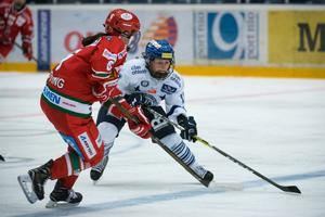 Liga Miljone mot Modo Hockeys Matilda Elfving.