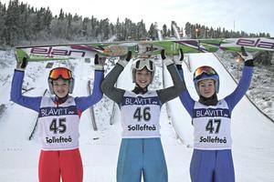 Frida Westman, Jonna Mohlén och Julia Lundberg, en glad och framgångsrik hopptrio från Friska Viljor.