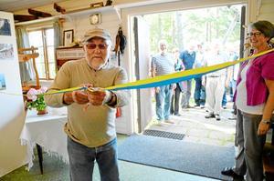 Den tidigare NA-medarbetaren Ove Danielsson inviger en utställning i Askersunds hembygdsgård.