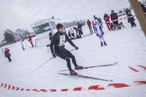 Magnus Andersson, Hudiksvalls IF, varvar efter första varvet på 30-kilometerssträckan.