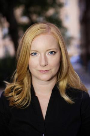 Frida Andersson Johansson är uppvuxen i Borlänge. Nu debuterar hon med romanen