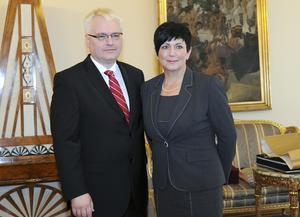 Željka Gracin har ett stort kontaktnät. Här med Kroatiens president Ivo Josipovic.