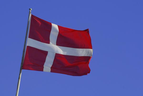 Danmark, som var på gång att införa sommartid, blev avgörande för Sveriges beslut.