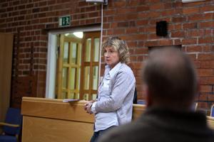 Förvaltningschefen Maria Ronsten sa bland annat att när eleverna skjutsas in till Smedjebacken för att ha idrott, så skulle det kunna samordnas med när de ska ha slöjd och hemkunskap.