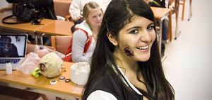 Det färdiga resultatet. Ceylan Hararp Balikci fick en skottskada på kinden.
