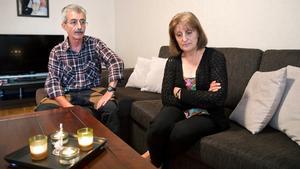Blandade känslor. Sabah och George Elia med familj gläds åt att IS har släppt tre släktingar till Sabah.Men ännu är ett 20-tal släktingar kvar i extremistgruppens våld.