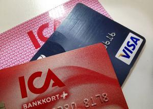 Bedragarna vill stjäla kreditkortsinformation och information om bankkonton.