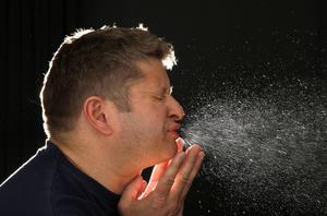 Nysningar, nästäppa, kliande ögon, astmatiska besvär, trötthet och huvudvärk är några av de besvär som pollenallergikerna får genomlida.