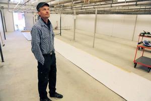 Anders Hall är slaktboss på renslakteriet och är nöjd när det blir mer utrymme och fräscha lokaler.– Det nya kylrummet gör att produktionen blir effektivare, säger han.