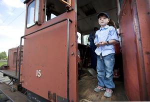BLIVANDE LOKFÖRARE? Ture Aspelin, 7, från Furuvik var på plats vid järnvägsmuseet för att lära sig köra lok.