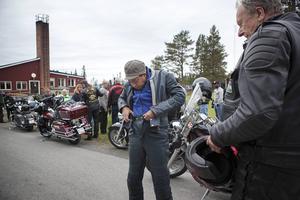 Niglus Hiluf Aboy från Ethiopien ska åka motorcykel med Åke Larsson från Brunflo.