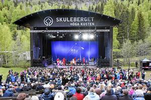 Veronica Maggio under sin konsert i regnet på Skuleberget den 5 juni 2017.