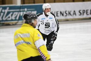 Daniel Mossbergs SAIK prioriterar försvarsspelet, först och främst mot Bollnäs på söndagen.