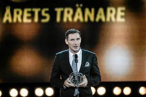 Belönad. Rickard Nilsson utsågs till Årets tränare på Fotbollsgalan i Stockholm. En riktigt prestigefylld utmärkelse för Kifs huvudtränare.