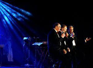 Per, Ebbe och Sten Nilsson under sitt 40-årsjubiléum 2002.