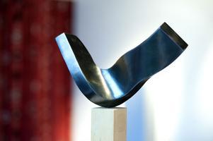 Statyetten som Jeschke skapat för Swedish Steel Prize.