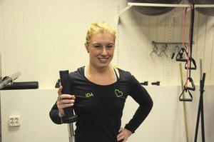 Personlige tränaren Ida Ottosson på Fristilen har märkt av ett ökat intresse för funktionell träning med fria vikter de senaste åren.