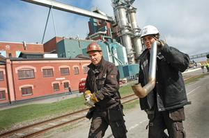 Niklas Eriksson och Tim Nordström, från Industrirörteknik, är två av de 750 entreprenörer som deltar i årets underhållsstopp vid Skutskärs bruk.