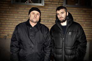 Tamaz Gaurgashvili är en av männen som i förra veckan greps som misstänkt för den väpnade fritagningen på Migrationsverkets förvar förra året. Han och sonen, Zelimkahn, är extremt kritiska mot hur gripandena sköttes och har nu anmält polisen.
