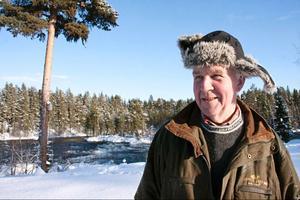 Örjan Ernehed i Kälom bor nära Långforsen. Han var ordförande för Nedre Långans fiskevårdsområde under alla år som föreningen överklagade Jämtkrafts planer på utbyggnad.