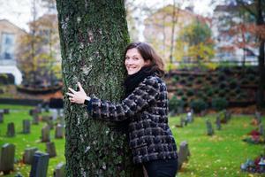 Charlotte Runius och hennes kolleger ordnar begravningar i hela Sverige och en hel del av dem i Södertälje.