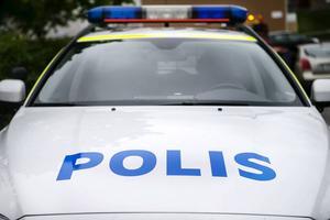 En man anhölls under fredagskvällen medan den andre låg för tillnyktring.