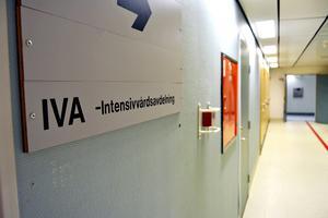 Flickan vårdade på intensivvårdsavdelningen på Sundsvalls sjukhus, men har nu flyttats till ett eget rum på en annan avdelning.